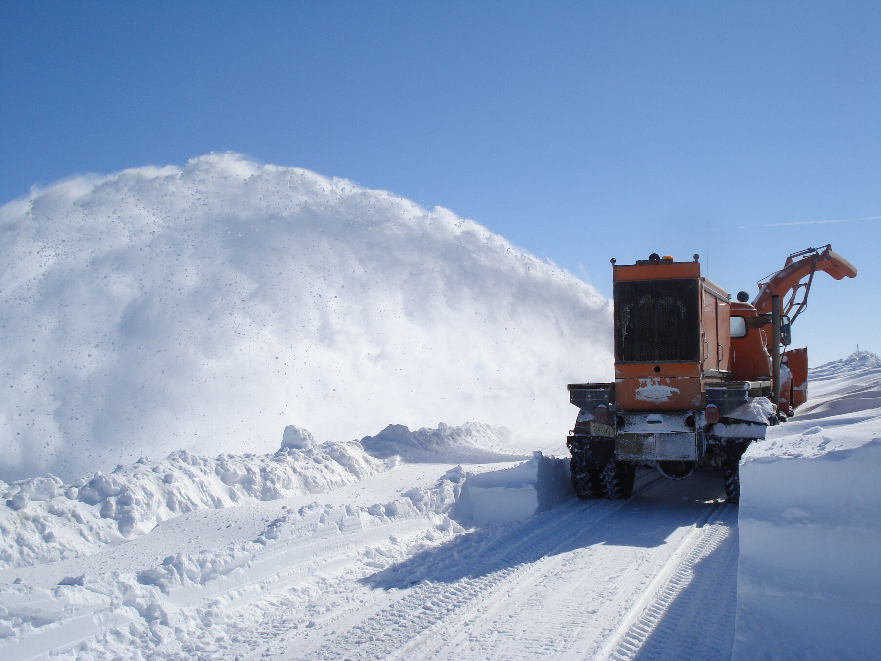 Snow plowing 2008